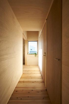 house nの部屋 廊下(撮影:鈴木美幸)