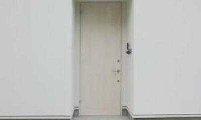 玄関-closed house h