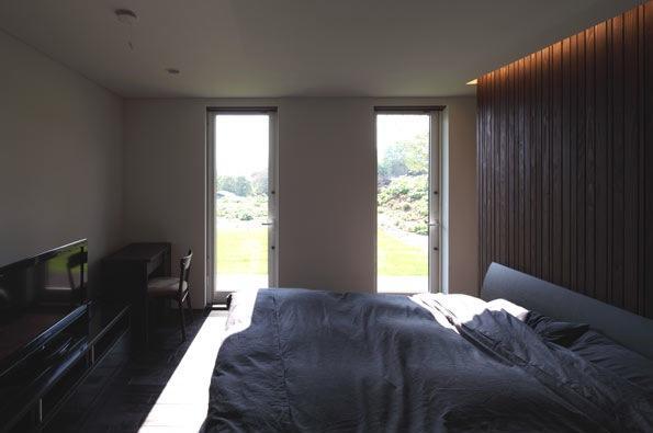 寿都の平屋の部屋 ベッドルーム(撮影:安達治)