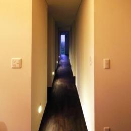寿都の平屋 (廊下(撮影:安達治))