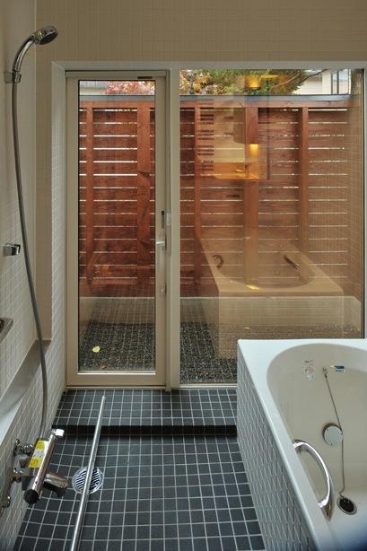 緑感居の部屋 浴室(撮影:KEN五島)