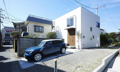 鎌倉の家 旗竿敷地に建つ中庭のある家