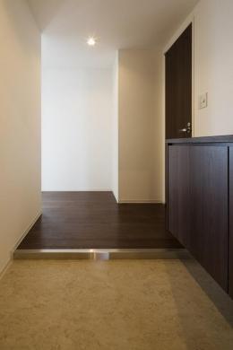 HM賃貸マンション (room1-玄関)