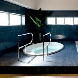 大阪・大理石の家 (バスルーム)