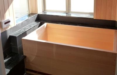 檜風呂 (大阪・大理石の家)
