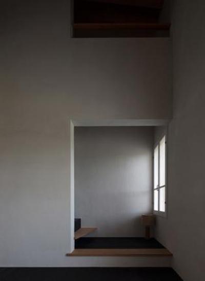リビング内フリースペース(撮影:新建築社) (富里の家)