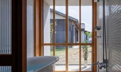 富里の家 (バスルーム(撮影:Ippei Shinzawa))