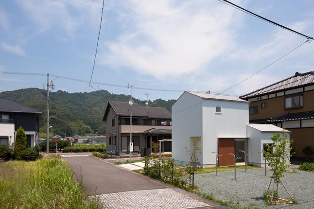 神座の家の部屋 白い外観1(撮影:新建築社)