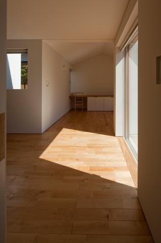 神座の家の部屋 つながるリビングダイニング(撮影:Yoshiharu Hama)