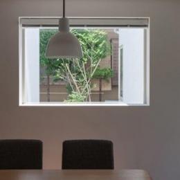 神座の家 (キッチンからの眺め(撮影:新建築社))
