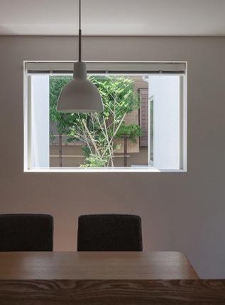 神座の家の部屋 キッチンからの眺め(撮影:新建築社)