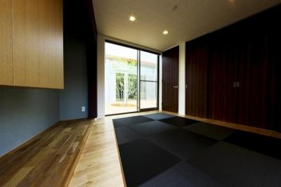 和室2 (中庭を回遊する家)