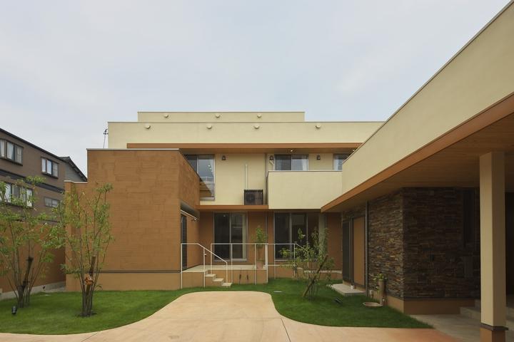 多素材の茶色い家の部屋 庭
