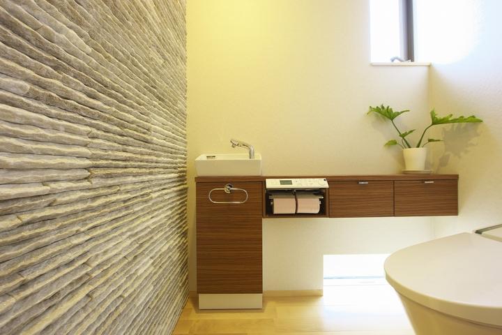 多素材の茶色い家の部屋 トイレ1