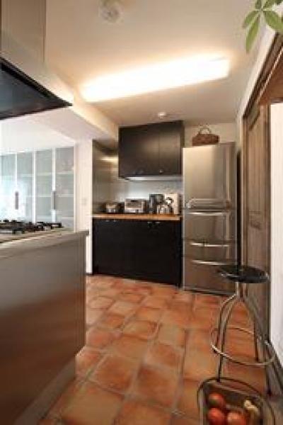 キッチン収納 (アトリエにモダンリビングを N's HOME)