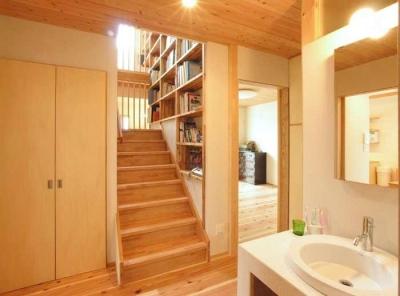 武豊の家 (階段ホール)
