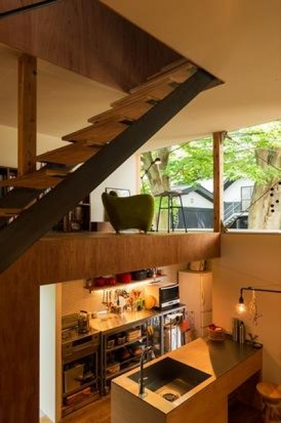 キッチン・ロフト空間(撮影:村井 勇) (y house)