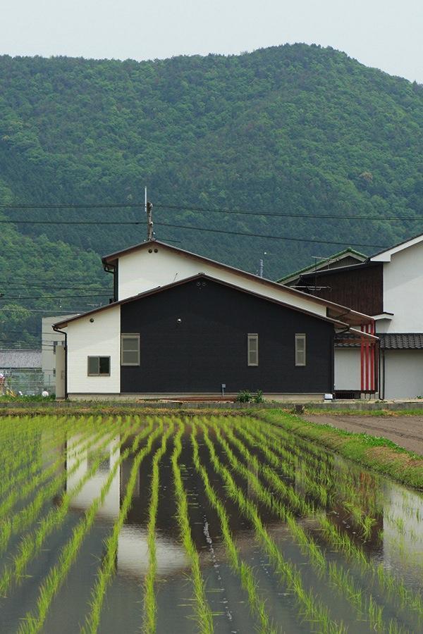 鶴居の家の部屋 外観2(撮影:後藤健治)