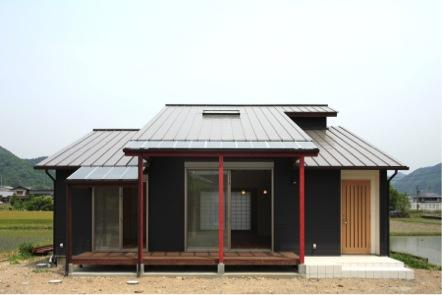 鶴居の家の部屋 テラス(撮影:後藤健治)