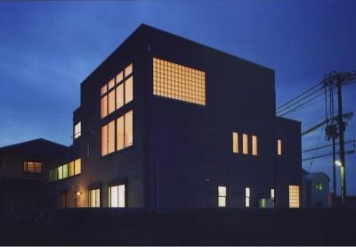 西浜の家 (外観-夜景(撮影:絹巻豊))
