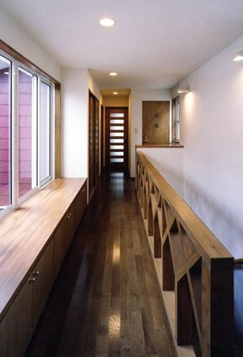 千種の家の部屋 廊下(撮影:絹巻豊)