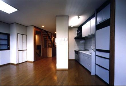 御影の家の部屋 LDK(撮影:絹巻豊)