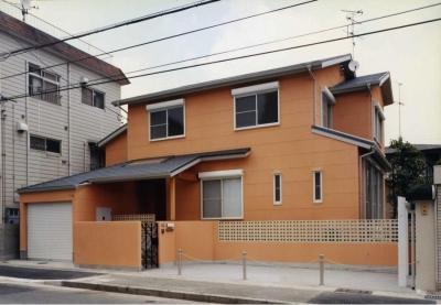 オレンジ色の外観(撮影:坂本) (魚崎の家)