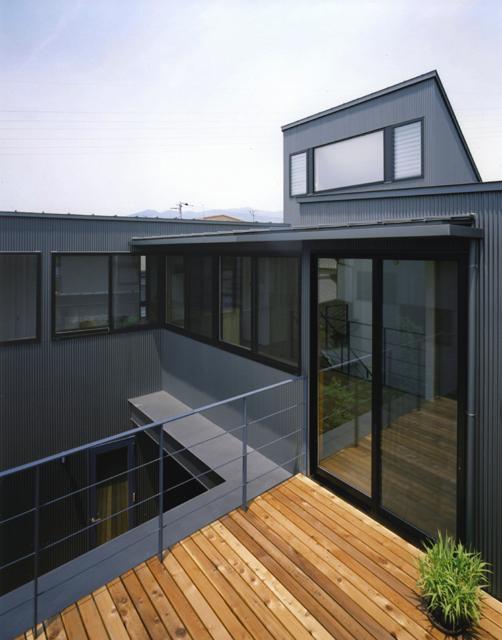 裾野の家 (2階デッキ)