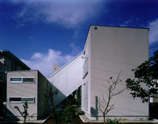 CH5(中庭のある家05)の写真 東側外観