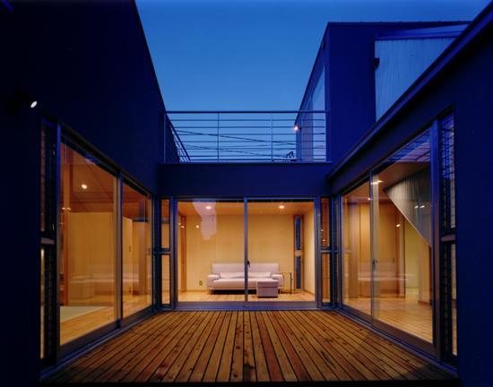 CH5(中庭のある家05)の写真 中庭夜景