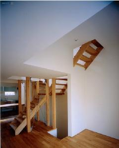 tt-houseの部屋 階段(撮影:市川かおり)