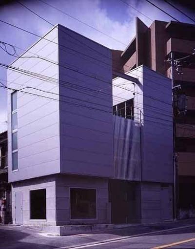 外観(撮影:市川かおり) (敷地が18坪の家)