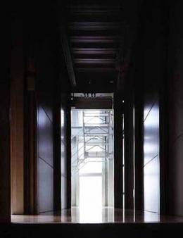 敷地が18坪の家 (廊下(撮影:市川かおり))
