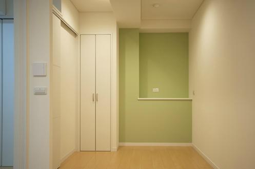 ichijikunoIE (グリーン色の壁の個室)