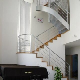 光格子の家 (室内階段)