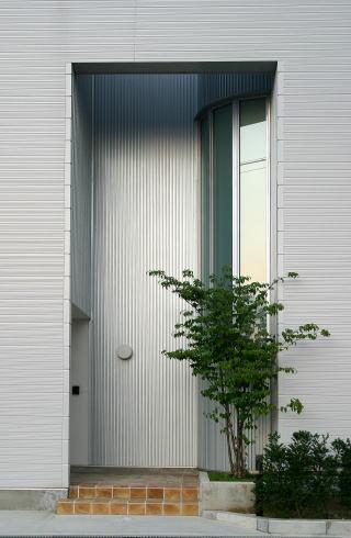 光格子の家の部屋 玄関-外観