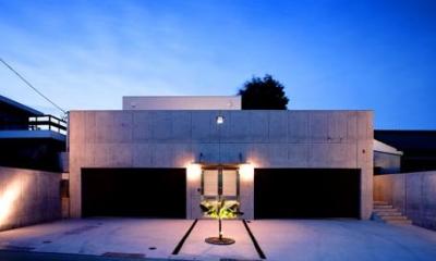 ガレージハウス外観-夜景|I's Residence