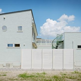 ミントブルーの家 (ミントブルーの外観2)