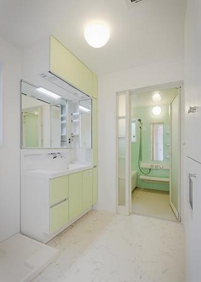 洗面・浴室 (ミントブルーの家)