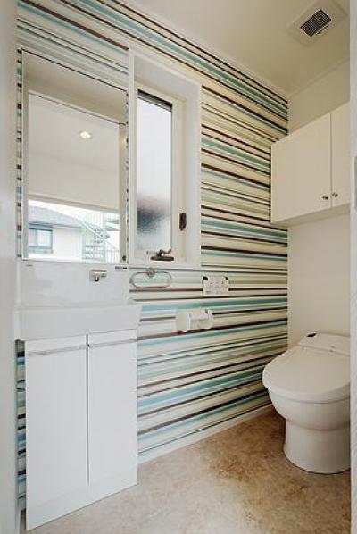 トイレ (ミントブルーの家)