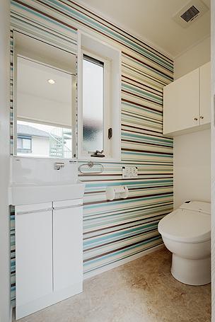 ミントブルーの家の部屋 トイレ