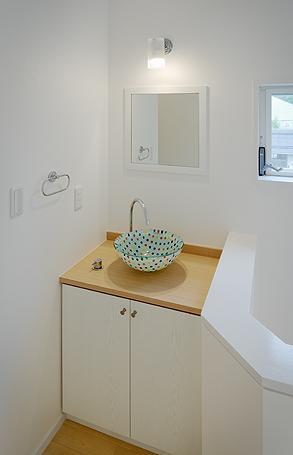 ミントブルーの家の部屋 洗面スペース
