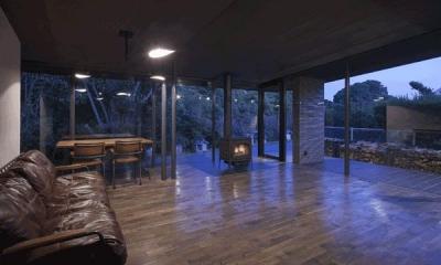 木漏れ日の家 (広々リビング(撮影:Hiroshi Ueda))