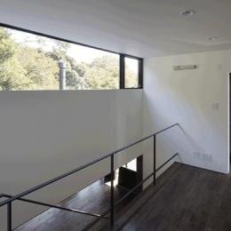 木漏れ日の家 (階段ホール(撮影:Hiroshi Ueda))