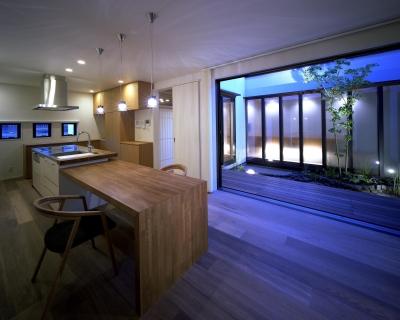 新宮苑の家 House In Shinguen (リビング)