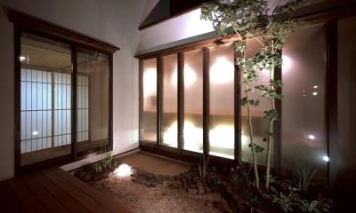中庭|新宮苑の家 House In Shinguen