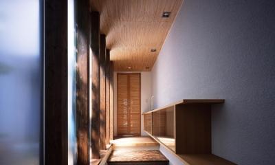 新宮苑の家 House In Shinguen (玄関)