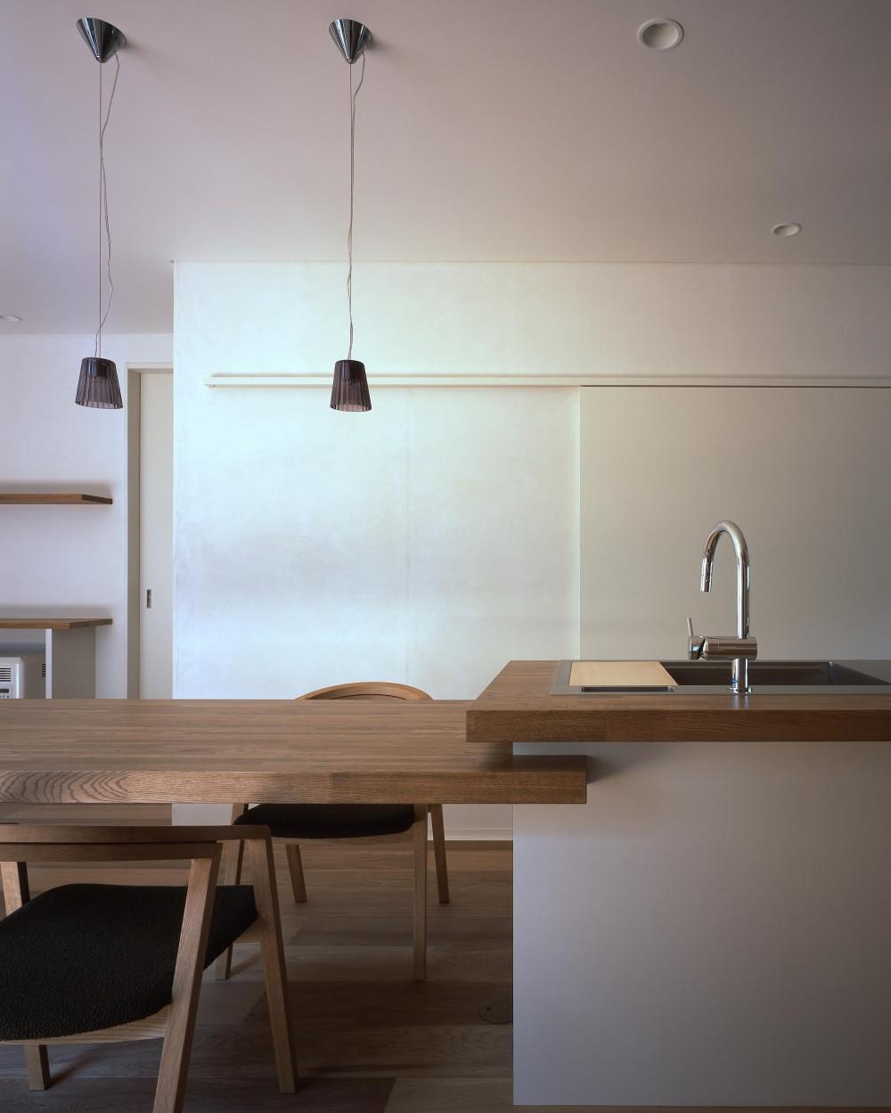 新宮苑の家 House In Shinguen (キッチン)