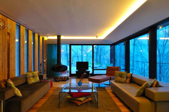Glass Houseの部屋 リビング-夕景(撮影:KEN五島)