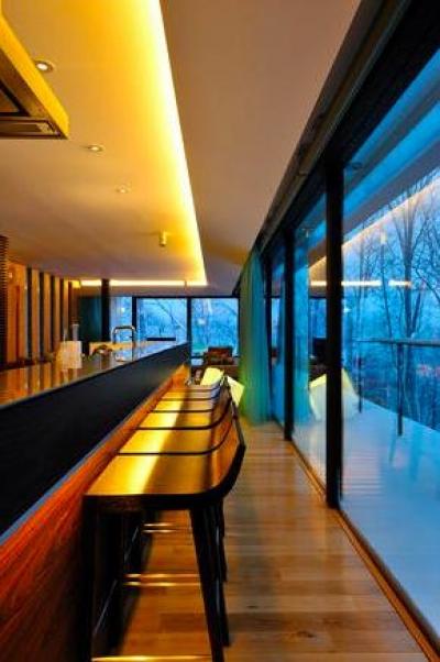 キッチンカウンター(撮影:KEN五島) (Glass House)